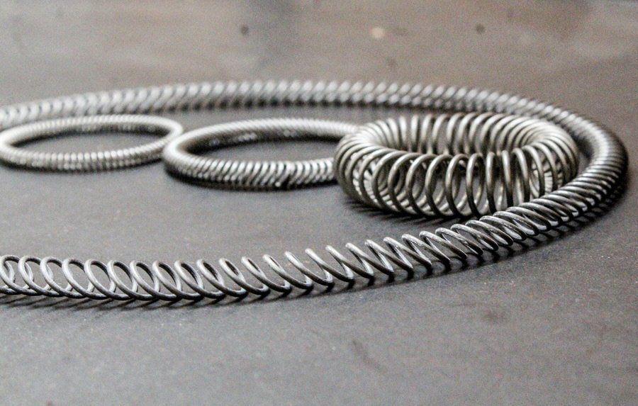 Benefits of the Canted Coil Spring, Canted Coil Springs | Peek Springs | Garter Springs